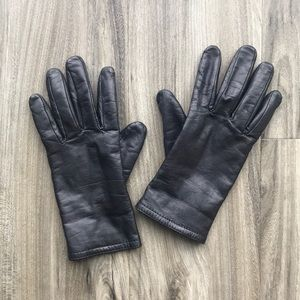 Women's Black Faux Leather Gloves